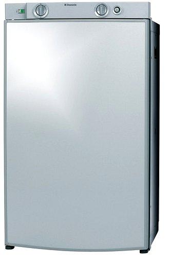 Dometic RM 8400, záves dverí vpravo